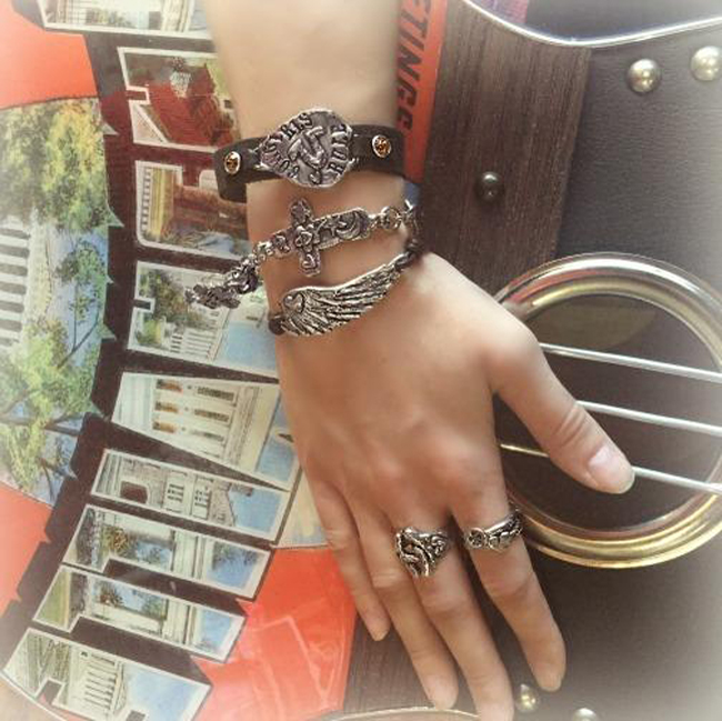 cowgirl bracelet wing bracelet horseshoe ring