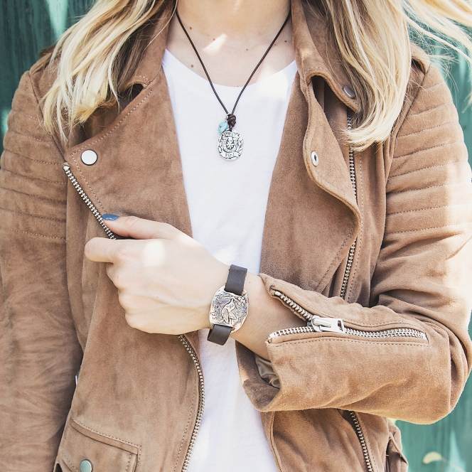 Horseshoe leather bracelet and necklace